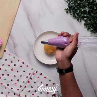 Step 2 Menghias Cupcake Dengan Butter Cream