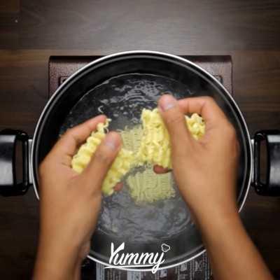 Step 1 Pancake Mie Instan