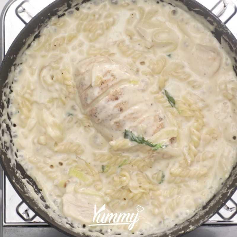 Fusilli Creamy Chicken