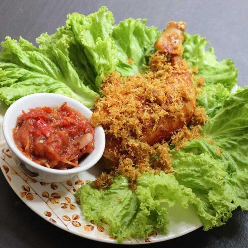 Resep Ayam Ungkep Serundeng Dari Chef Deasy Lusiana P Yummy App