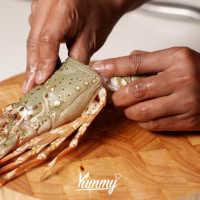 Cara Mengupas Lobster