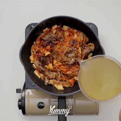 Step 3 Spicy Kimchi Jjigae