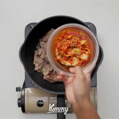 Step 2 Spicy Kimchi Jjigae