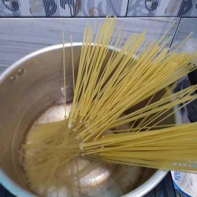 Step 1 Aglio Olio Spinach #JagoMasakMinggu4Periode3