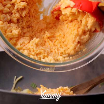 Step 4 Yakimeshi (Nasi Goreng Jepang)