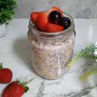 Berries Overnight Oats