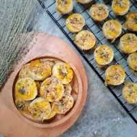Garlic Cheese Cookies