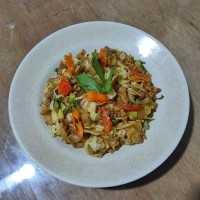 Kwetiaw Goreng Ayam Taoge Kol Pedas