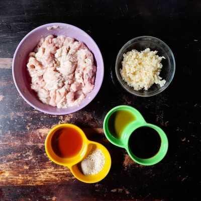Step 1 Pangsit Ayam