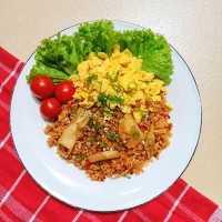 Kimchi Bokkeumbap (Nasi Goreng Kimchi) 김치볶음밥 #KoreanFood