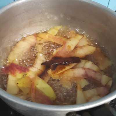 Step 3 Aromatic Apple Tea