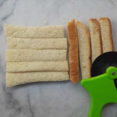 Step 1 Roti Tawar Krispi Balut Karamel