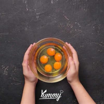 Step 1 Tumis Telur Tomat Kemangi