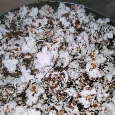 Step 6 Popcorn Blackforest
