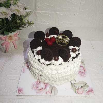 Step 6 Kue Ulang Tahun Toping Oreo